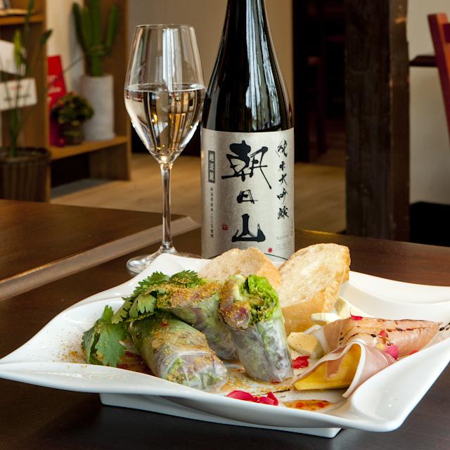 新潟生まれの酒米「越淡麗」と清冽な水で醸す