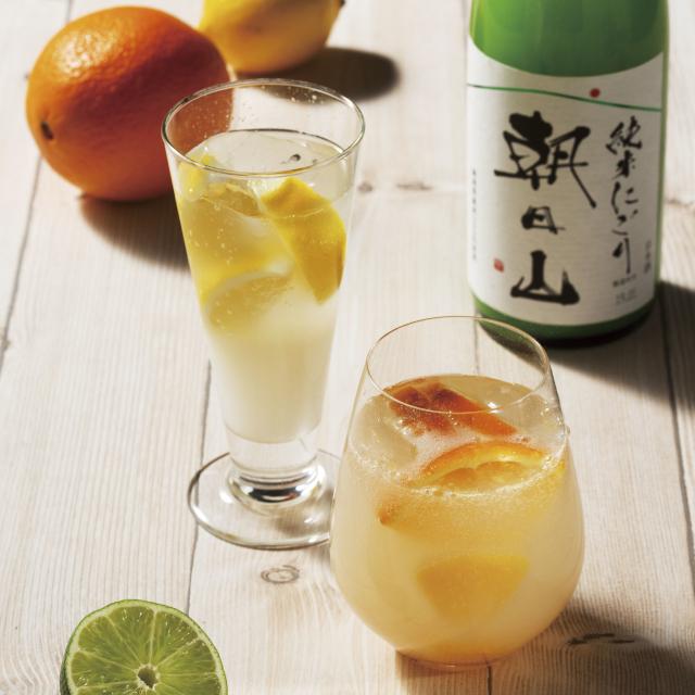 果実のような甘酸っぱい味わい、滑らかな口当たりが特長的な純米にごり酒