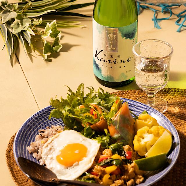 白桃を思わせる濃密な甘味、シャープでキレのある酸味が特長の新感覚日本酒