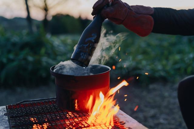 アウトドア料理と合う懐の深い味わい